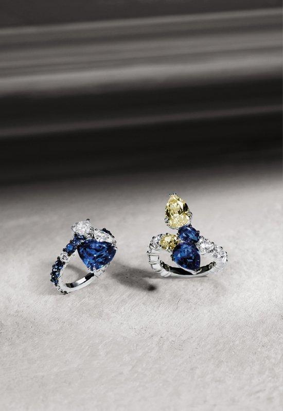 Anelli in oro bianco con diamanti bianchi e fancy e zaffiri | Crivelli Official