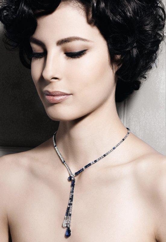 Girocollo in oro bianco con diamanti e zaffiri | Crivelli Official