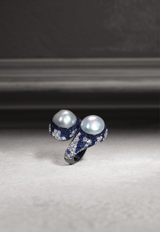 Anello contraire con brillanti zaffiri e importanti perle | Crivelli Official