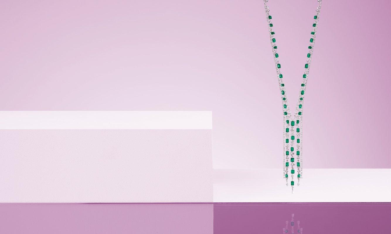 Collana oro bianco con diamanti e smeraldi. | Crivelli Official