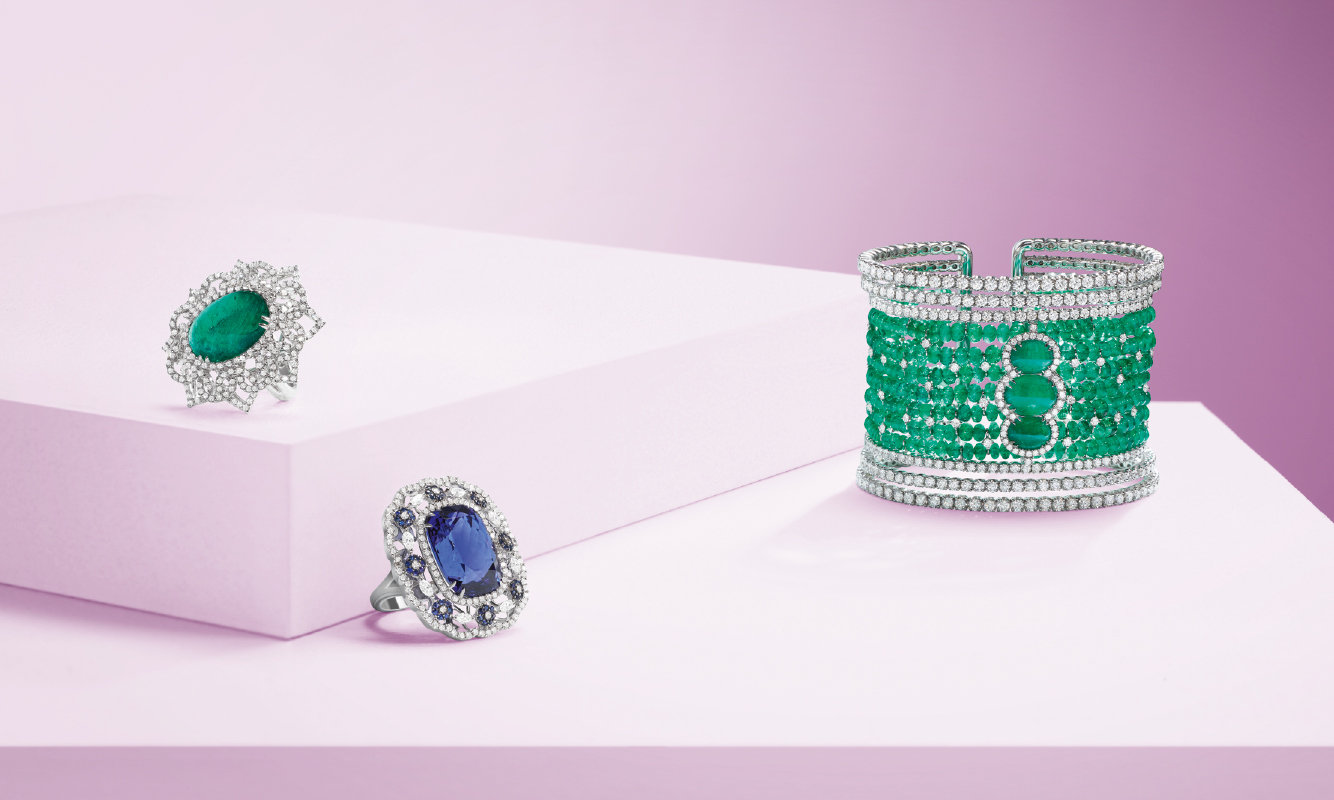 White gold ring with brilliants and emerald. White gold Ring with diamonds, sapphires and tanzanite. White gold bracelet with brilliants and emeralds. | Crivelli Official