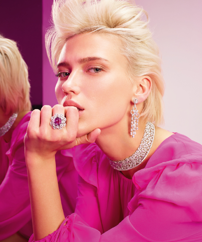 White gold ring with diamonds and pink sapphire. White gold Earrings with diamonds. | Crivelli Official