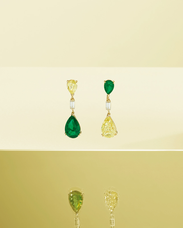 Pink gold earrings with emeralds and yellow diamonds. | Crivelli Official