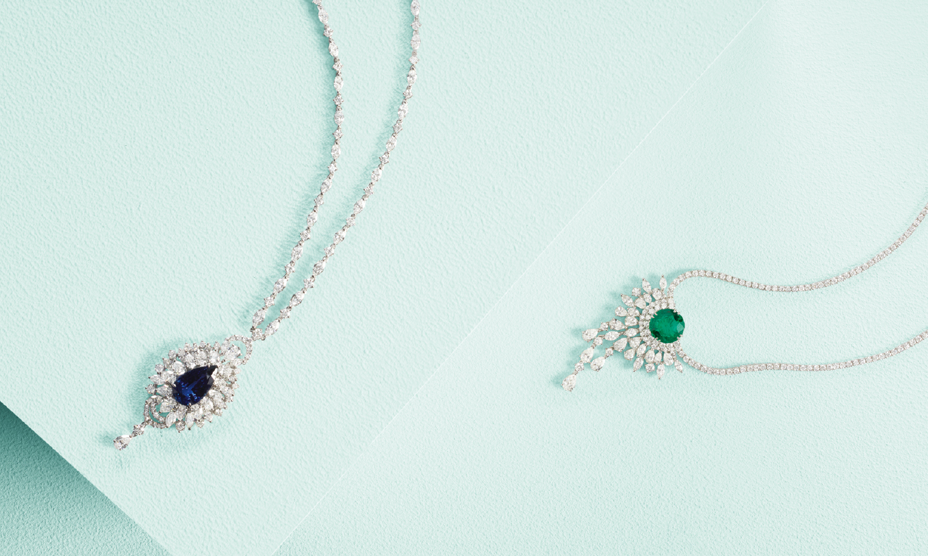 White gold necklace with brilliants and sapphire. White gold necklace with brilliants and emerald. | Crivelli Official