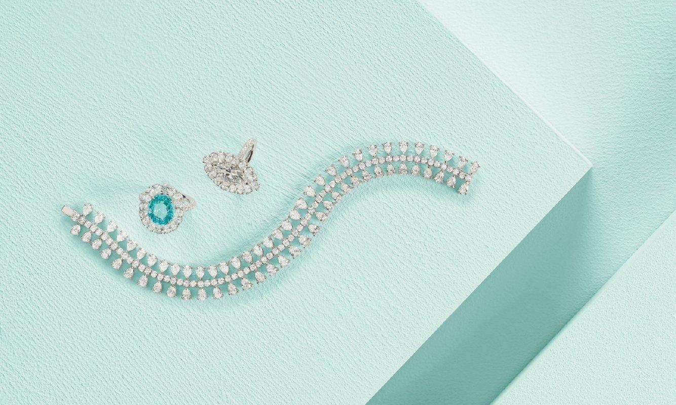 Anello oro bianco con diamanti e paraiba. Anello e bracciale oro bianco e diamanti. | Crivelli Official